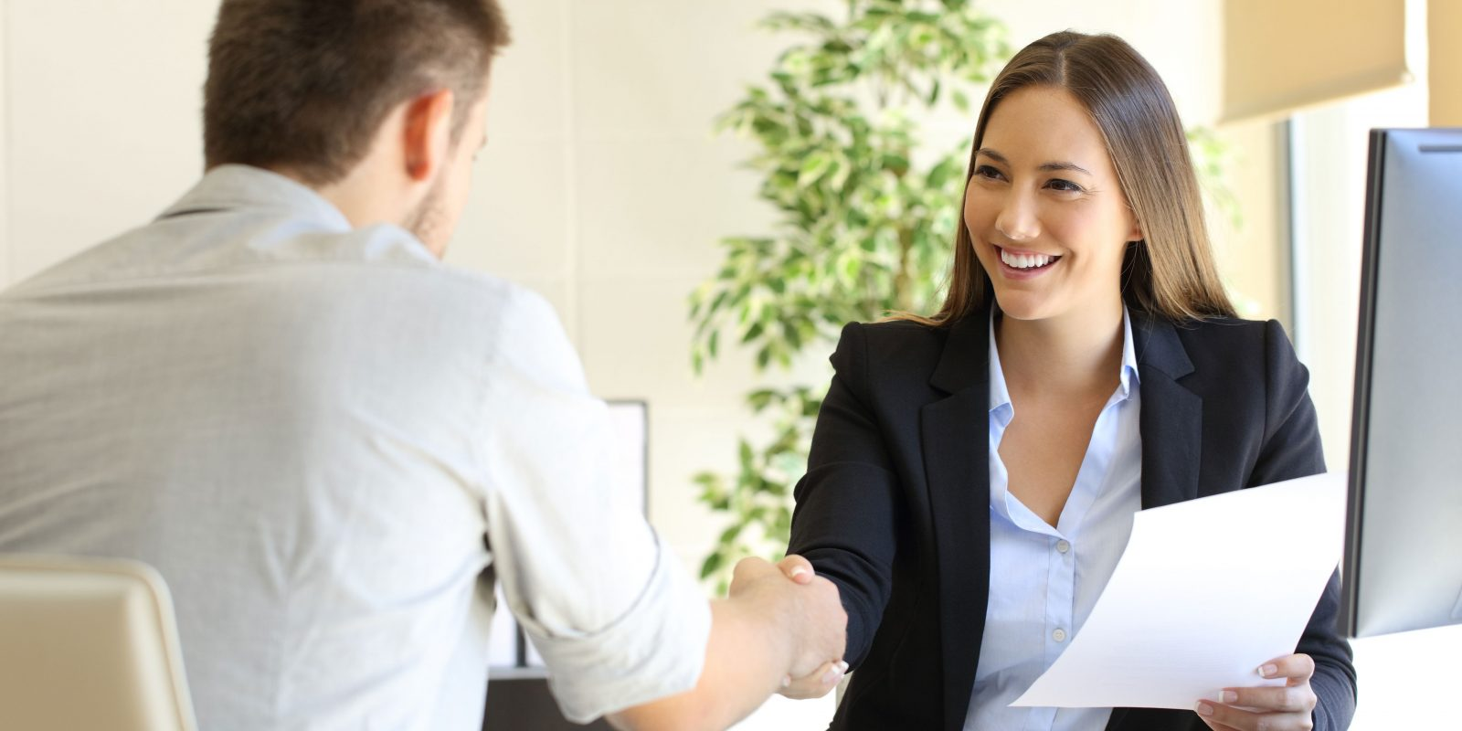 The Dos and Don'ts of Presenting Yourself During Your Job Interview
